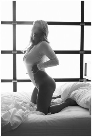 Tyffanie escorts in Sienna Plantation Texas
